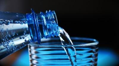 Pij wodę!!! Ale jaką wodę mam pić?